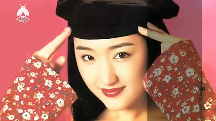 杨钰莹白衣天使合唱版《我不想说》,30岁的年纪,20岁的样子