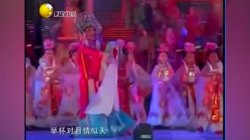 李玉刚金星罕见同台,反串表演刚柔并济,胡文阁评价二人太犀利