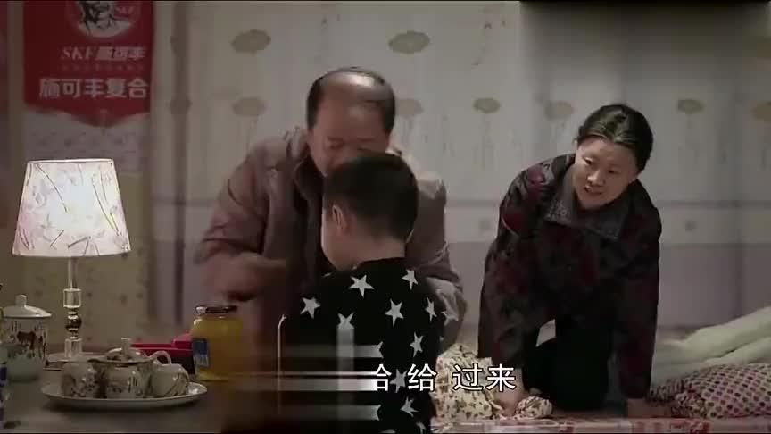 乡村爱情:广坤突然开悟,重新对腾飞好,老伴都觉得很惊讶