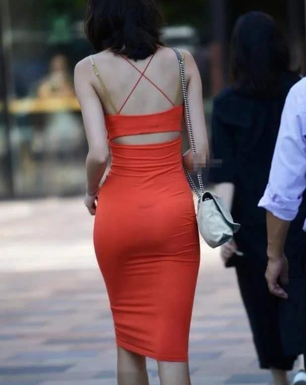 街拍:炎炎夏日,唯美长裙尽显成熟优雅之美,图5太奇葩!