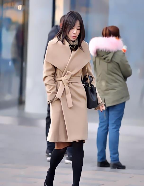 帅气唯美的大衣搭配干净挺阔,展现你无与伦比的时尚气场