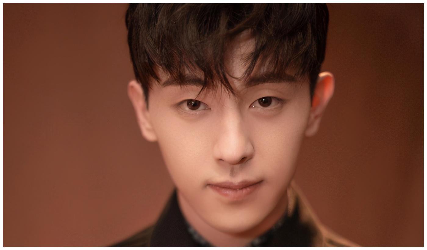 当下华语男演员影响力排名,肖战跌至第3,榜首刚斩获金鹰节大奖
