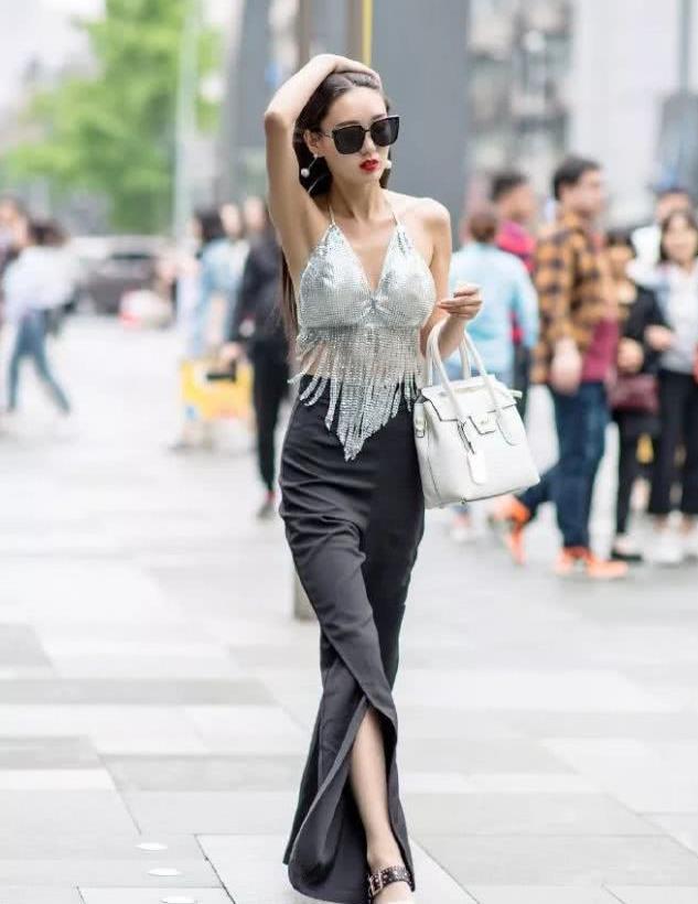 美女搭配高跟鞋,让自己拥有女神般的魅力
