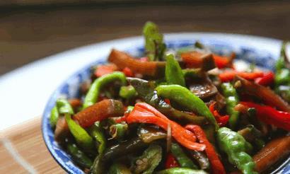 又到了北方腌咸菜的季节,分享1种妈妈咸菜的腌制方法,收藏好