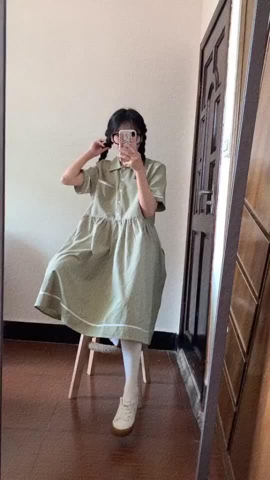 穿搭:小个子女生穿长款连衣裙,感觉看不到脚踝了