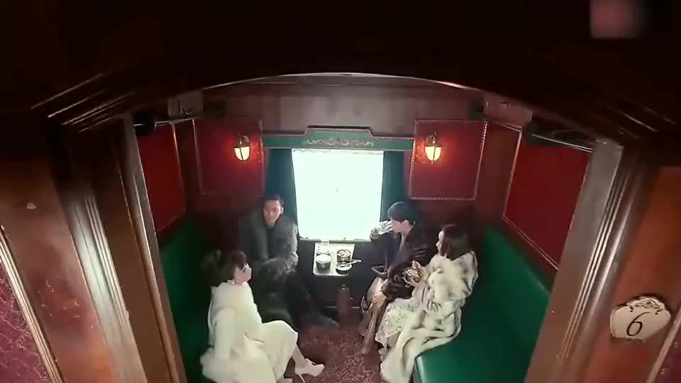 老九门:佛爷想要回自己的两响环,尹新月说那是她的定情信物!