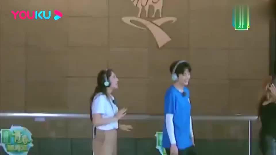 青春环游记:吴谨言说绕口令难坏外国人,王凯魔性笑声太洗脑!