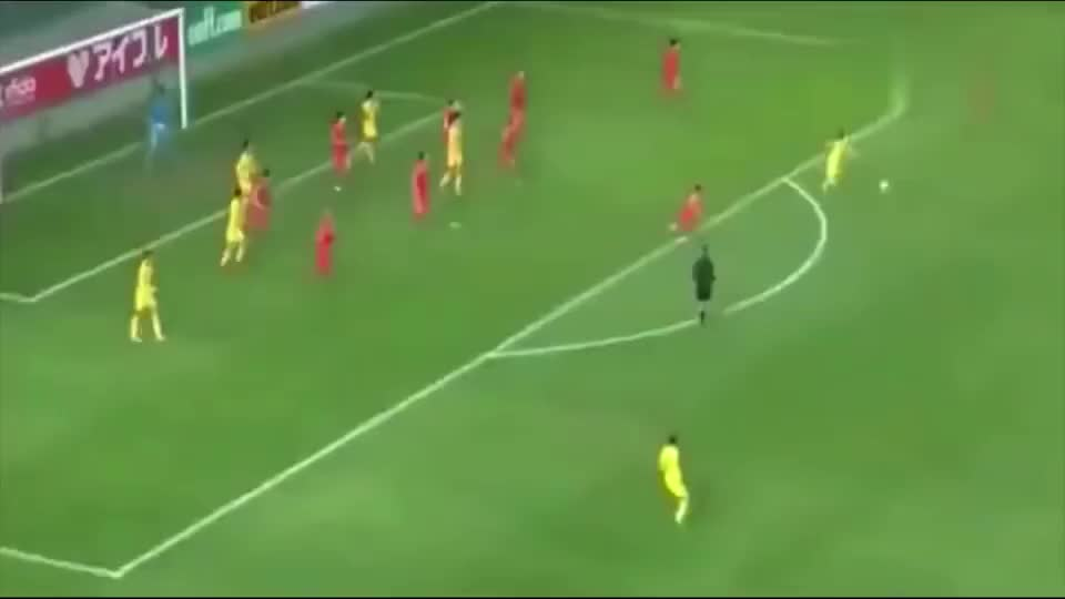 中国女足3:1击败韩国,伊布式蝎子摆尾+世界级吊射,全场嗨翻了
