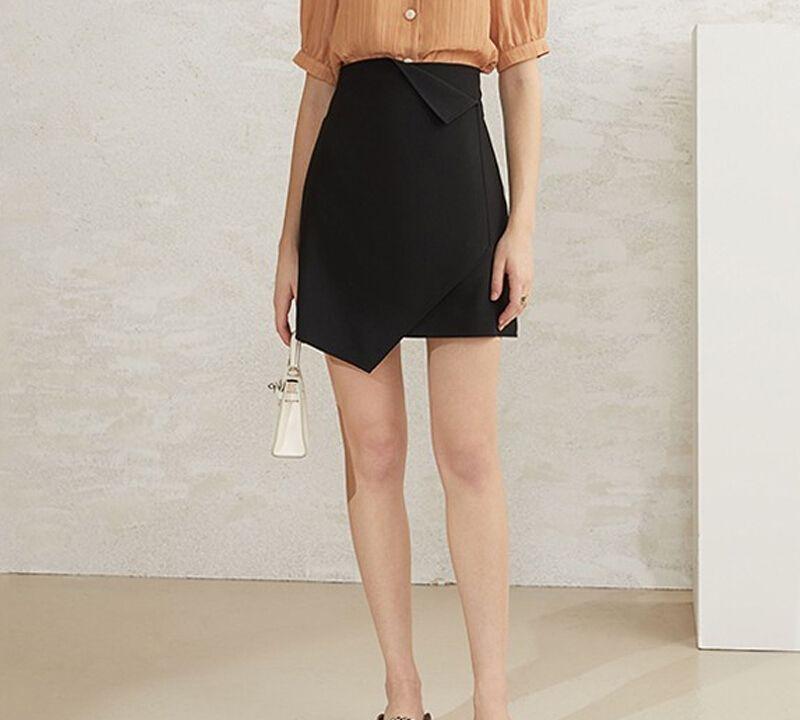 女士时髦亲肤小短裙,可爱又迷人,低调内敛不失好看与温柔