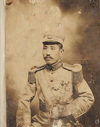 他是直系军阀湖北省长 处理公文时有一个怪癖 下属吓得不敢作声