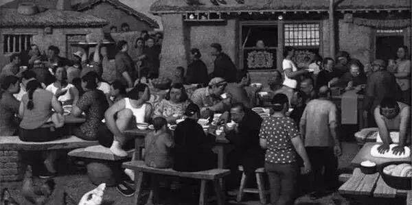 70年代各种饭照,看完赶紧找时光机穿越去吃饭