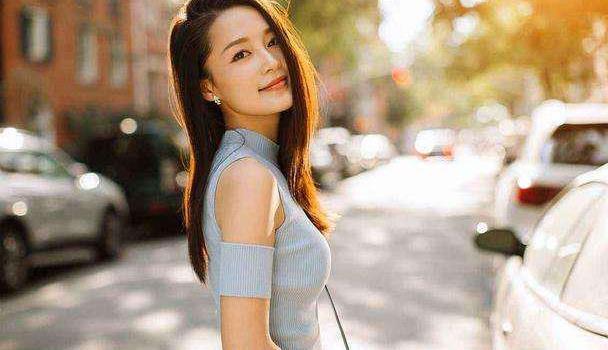 有种温婉气质叫李沁,穿全套香芋紫温柔清新,难怪出演鸡腿姑娘
