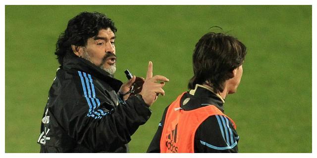 阿根廷队的缺点:不短少优异球员,唯一短少优异的战术系统