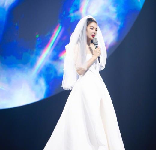 16后演唱成名曲,拒绝《浪姐》的王心凌,靠老本了