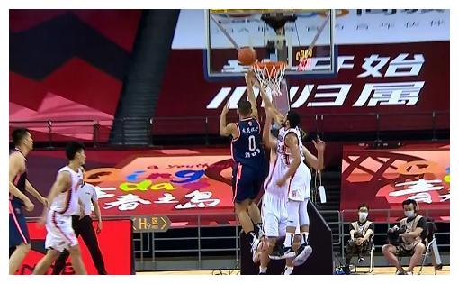 疯狂23连胜!广东122-89大胜,威姆斯爆砍34分,王薪凯被杜锋骂惨