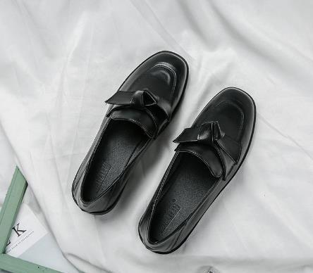 还在穿小白鞋?春夏季是属于乐福鞋的天下,还赢过小白鞋哦!