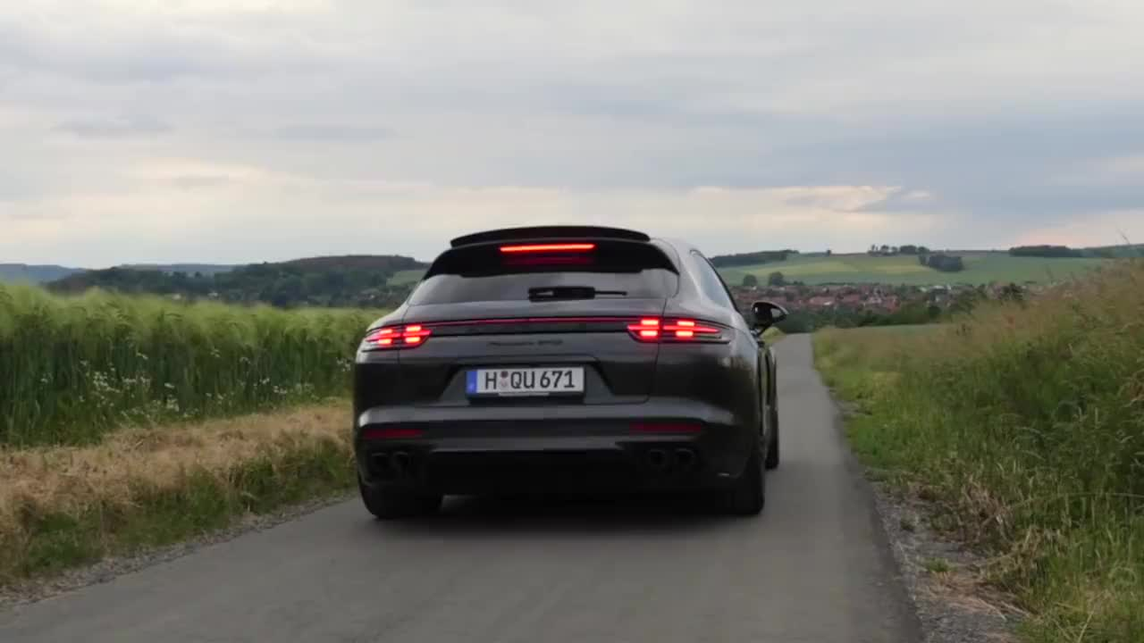 V8的魅力  460马力的保时捷性能旅行车
