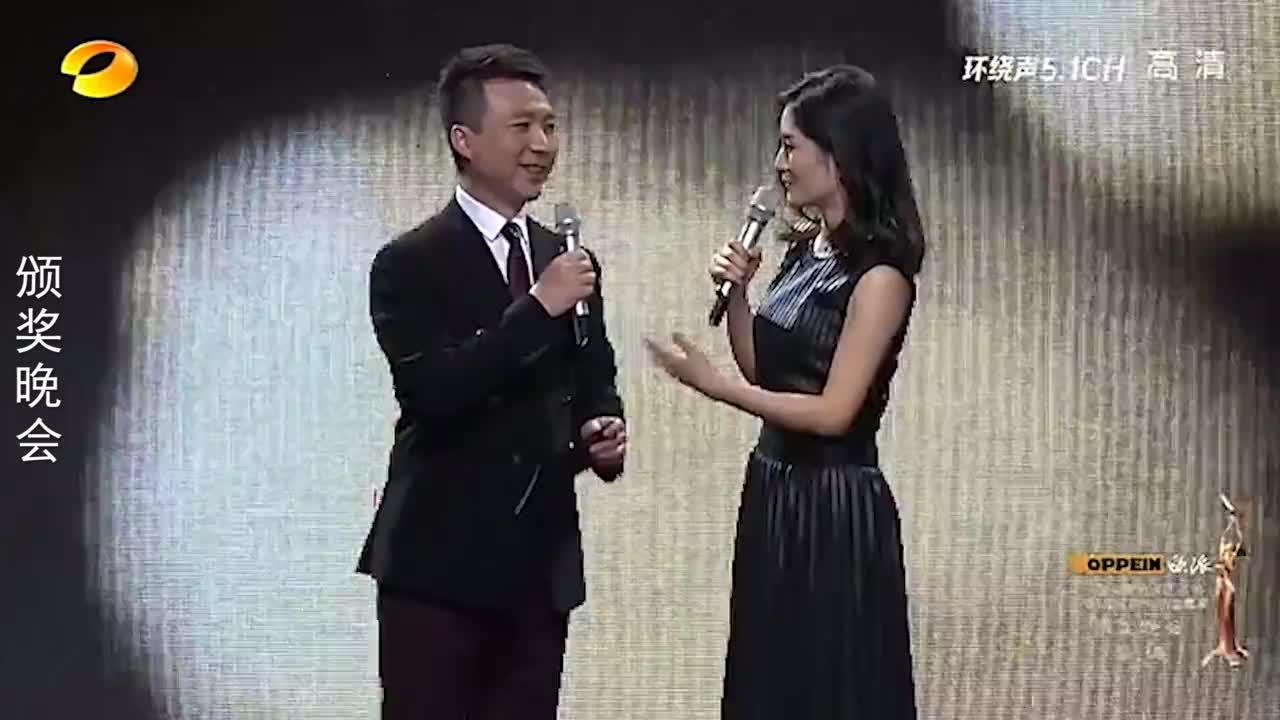 当谢娜和央视主持人同台,康辉表示无法和她沟通,倪萍怒言:退下