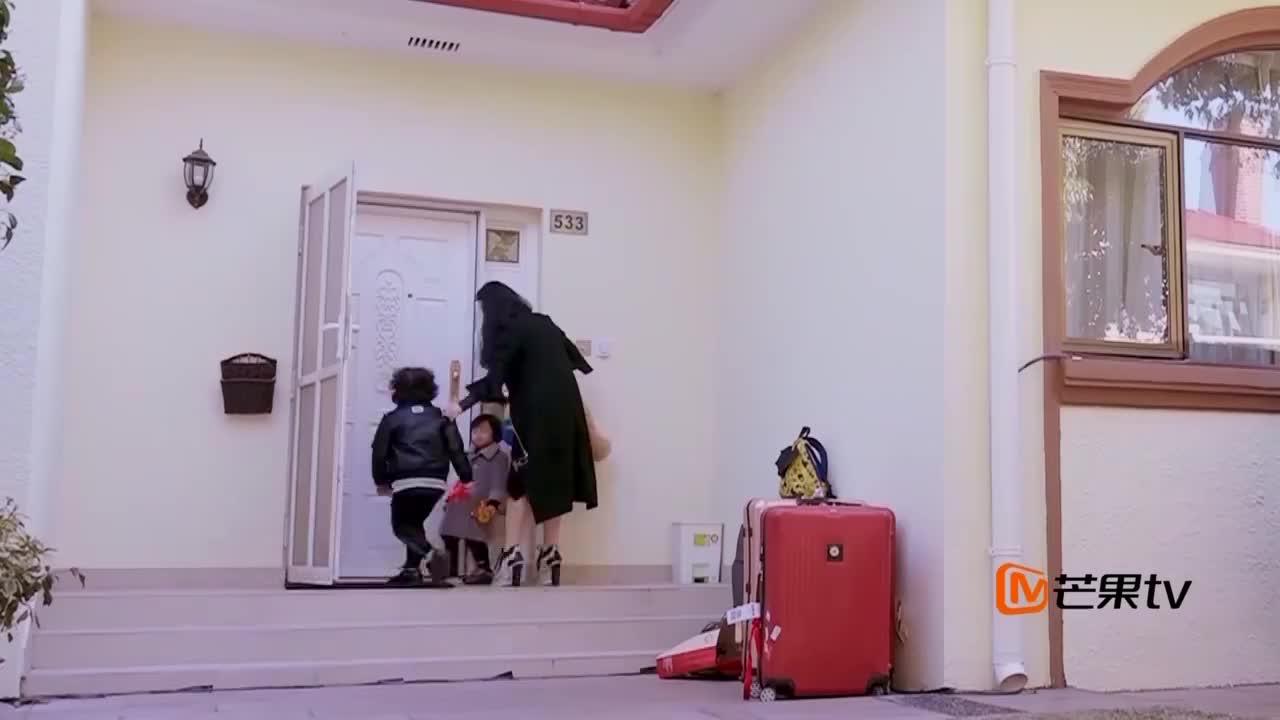 邹市明训练,冉莹颖带轩轩和皓皓搬家,做拳王的女人真不容易!