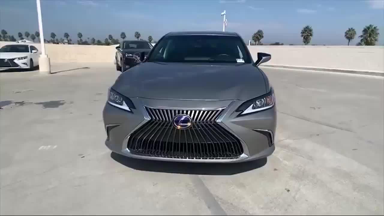 2021款雷克萨斯ES300h实车展示,买不买宝马5系自己拿主意!