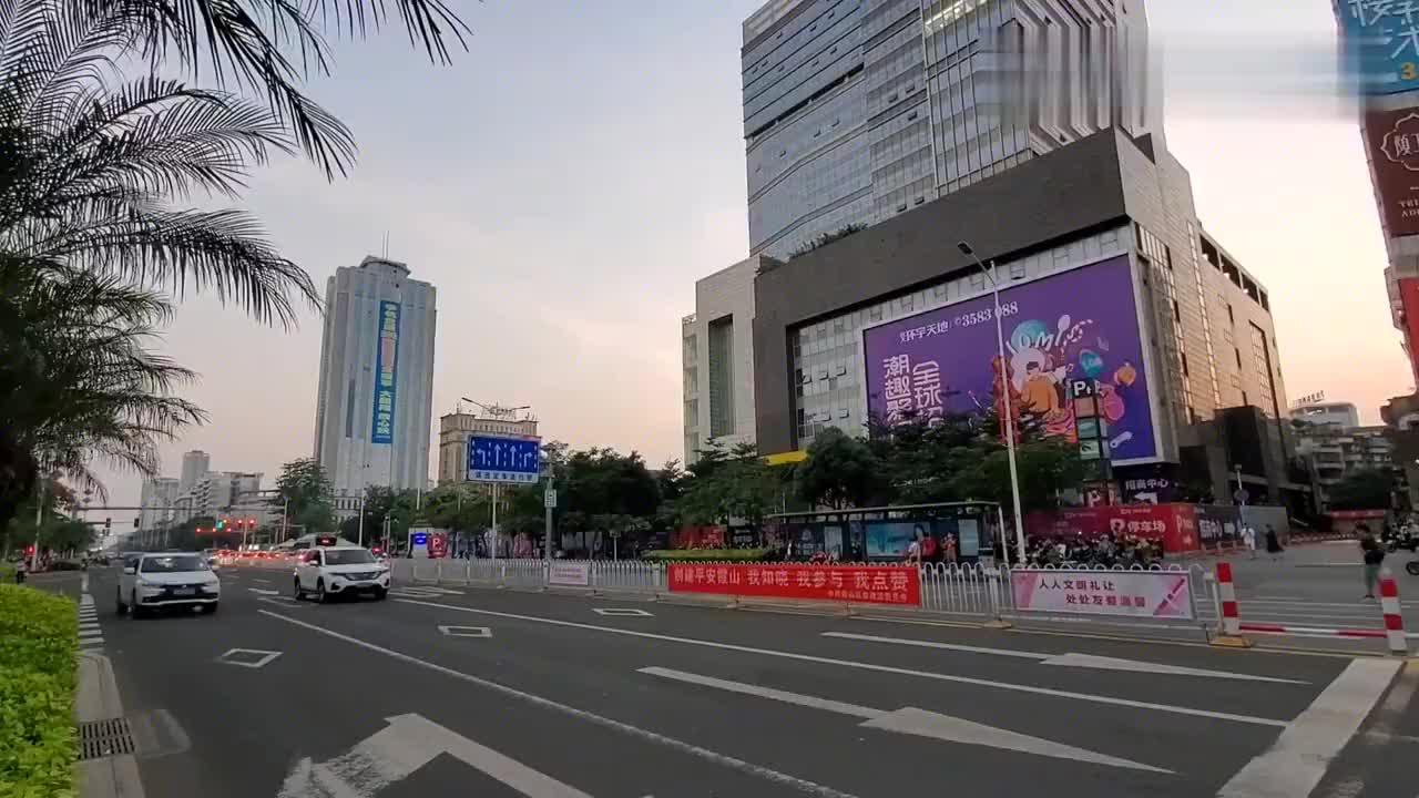 实拍湛江市中心,带大家转转,在这吃的湛江鸡和蒜蓉烤生蚝