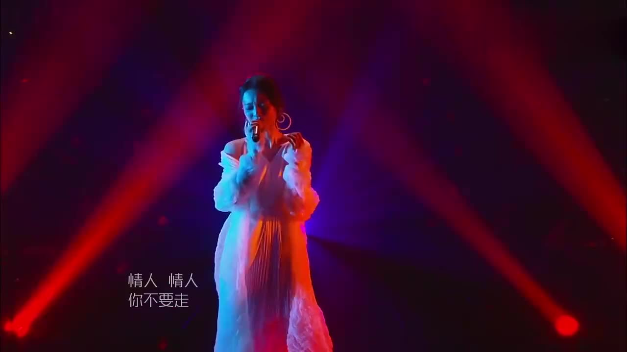 歌手:张韶涵一首《情人流浪记》,唱哭无数观众,这就是实力!