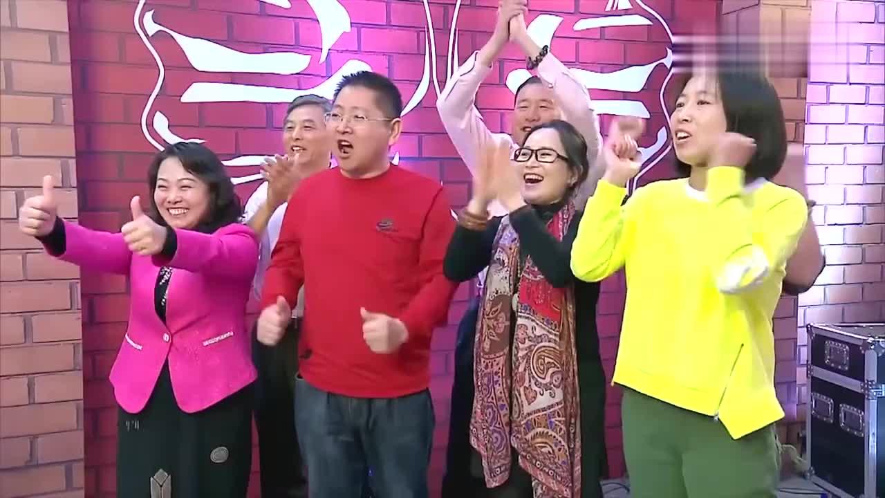 出彩中国人:安徽菜农李刘标在线高歌,声音浑厚振奋人心