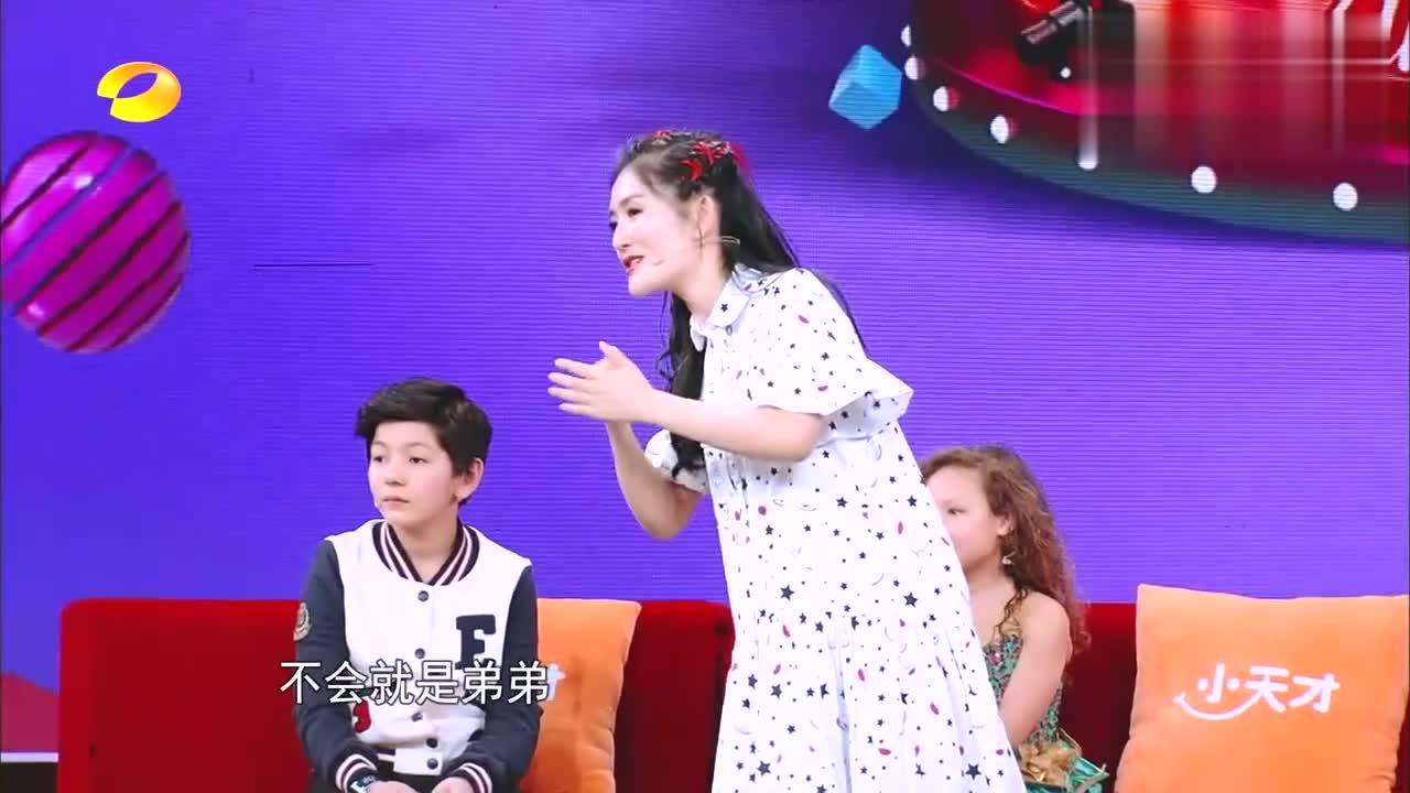 杨迪和外国萌娃争当表情帝,鬼畜表情包逗翻全场,谢娜被笑疯!