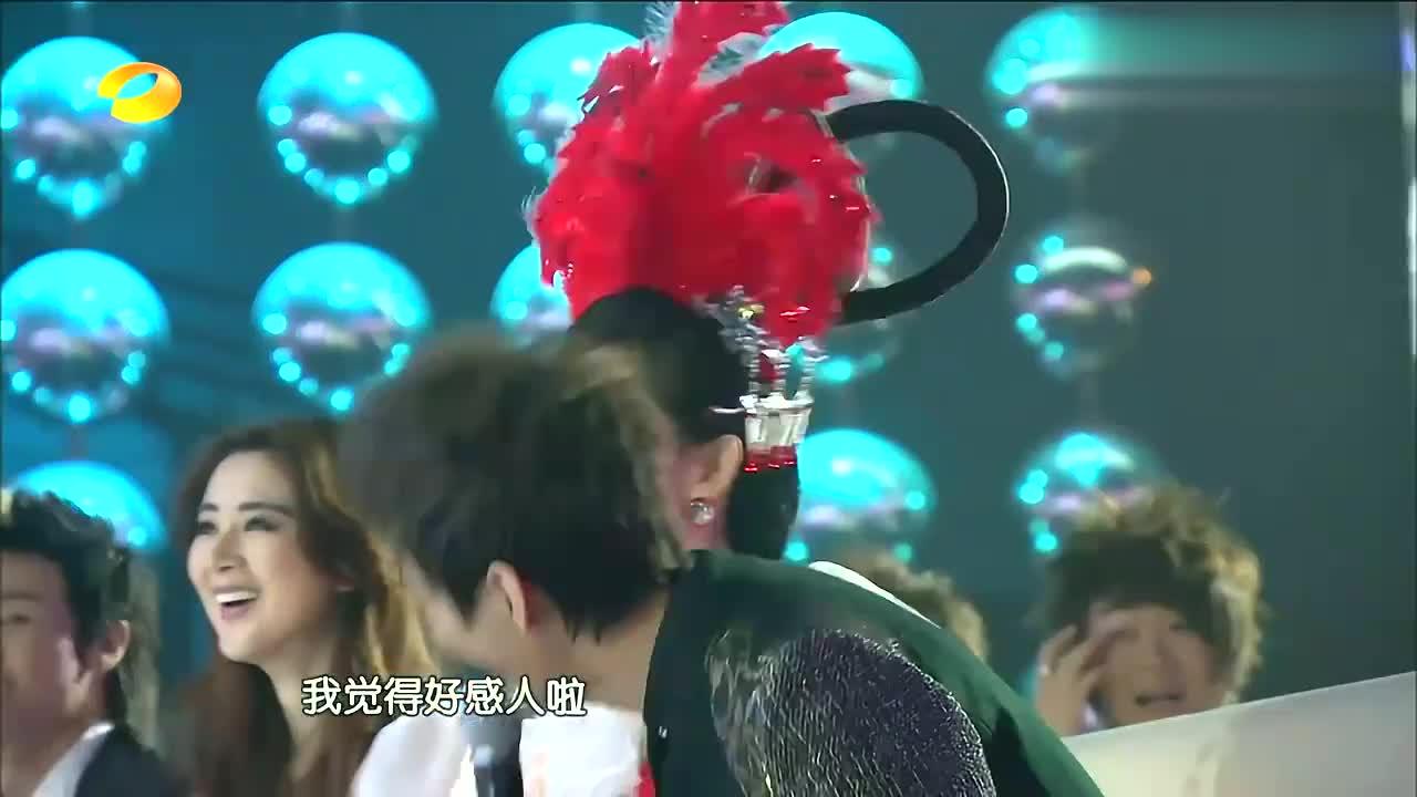 王祖蓝模仿姚明,唱改编版《我是一只小小鸟》,何炅听得一脸心酸
