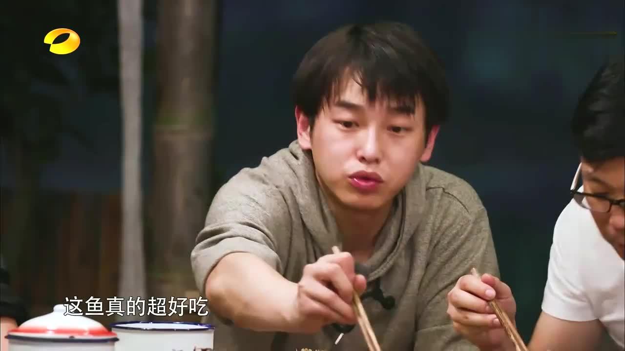 向往黄磊做饭香到杨颖不能说话,王迅也要搬去黄磊小区,笑坏何炅