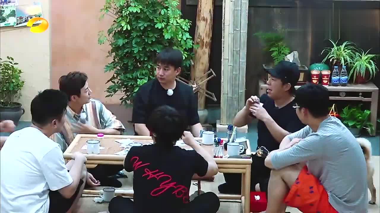 刘宪华受罚爬楼,何炅:把《向往的生活》录成了《真正男子汉》