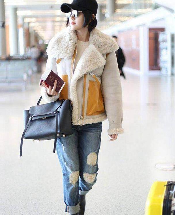 """深秋流行这件""""羊羔毛外套"""",保暖又洋气,照着穿就很美"""