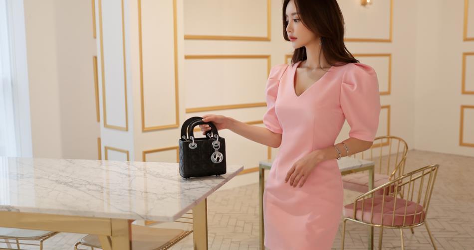 韩国性感女神孙允珠服装搭配美图