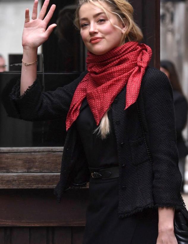 艾梅伯希尔德和女友Bianca Butti伦敦最新街拍图