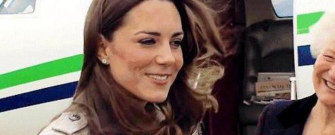 女人上了年纪穿衣要有分寸,瞧瞧凯特王妃怎么穿裙子,优雅又高贵