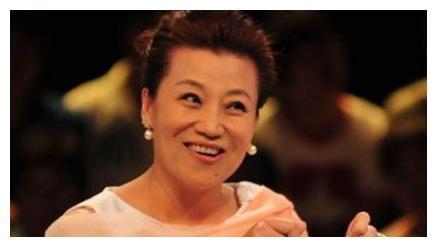 """情感导师王为念,与小香玉离婚""""反目成仇"""",和王芳关系浮出水面"""