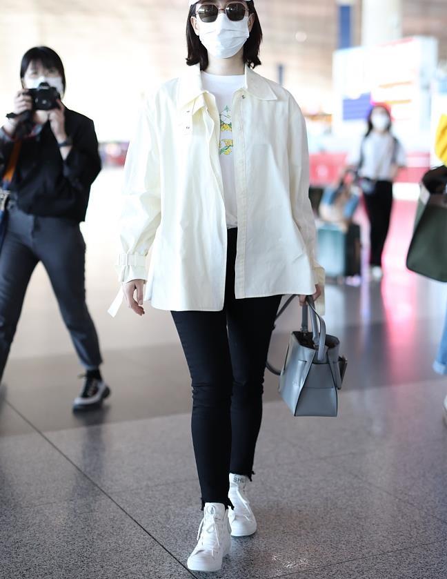陈数一身黑白look美得优雅又高级 私服穿搭时尚大气气质迷人