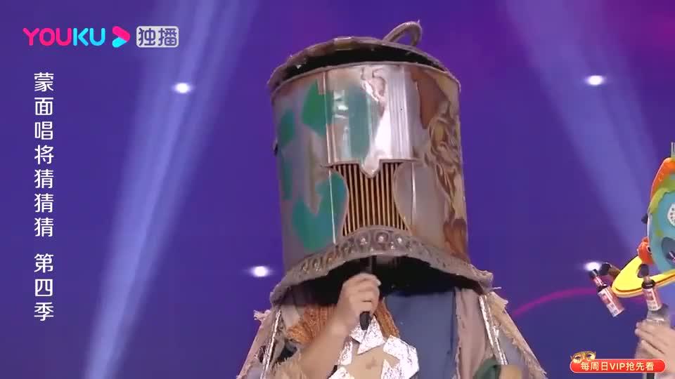 蒙面唱将:选手为李荣浩唱过歌,杨迪丝毫不输阵,直呼我也唱过!