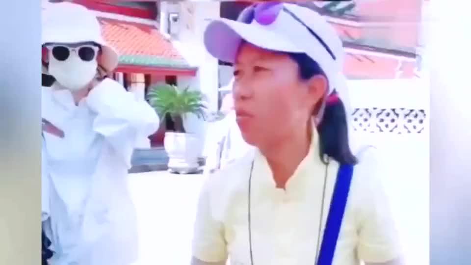 """泰国人冬天到中国旅游,被骂""""神经病"""""""
