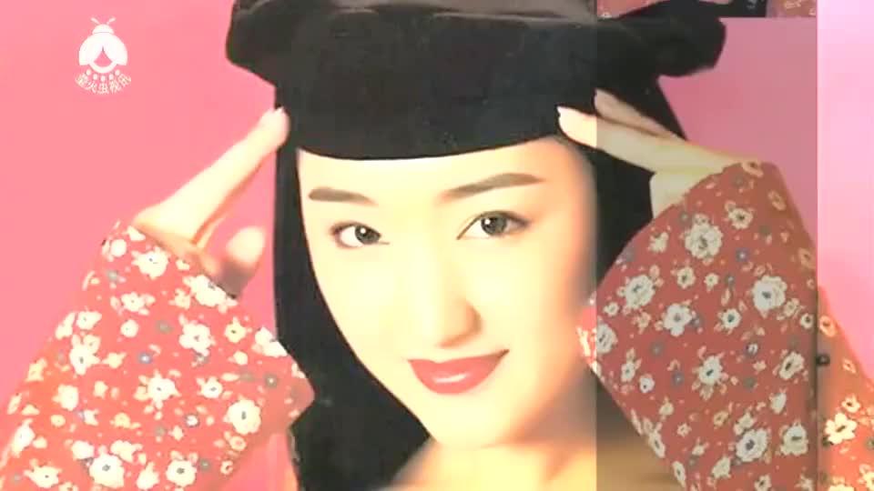 杨钰莹深圳外国语学校亲子活动视频,童心未泯,像极了幼师小姐姐