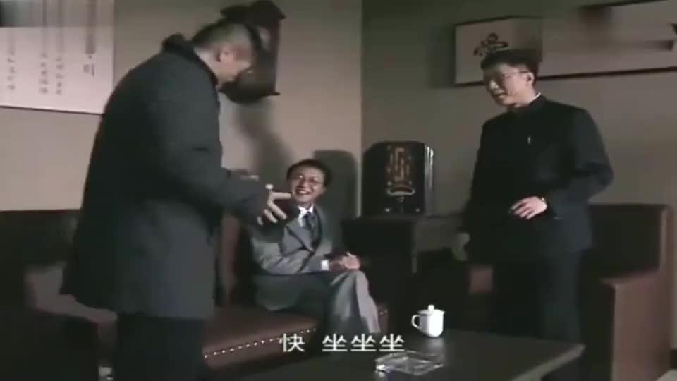 潜伏:戴笠怒骂军统,站长发飙冲进办公室,直言大肥猪怕宰是吧