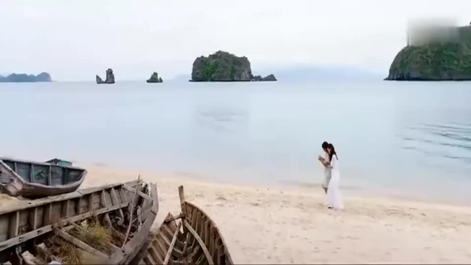 黄沧海带着美女,来到了自己的海景大别墅