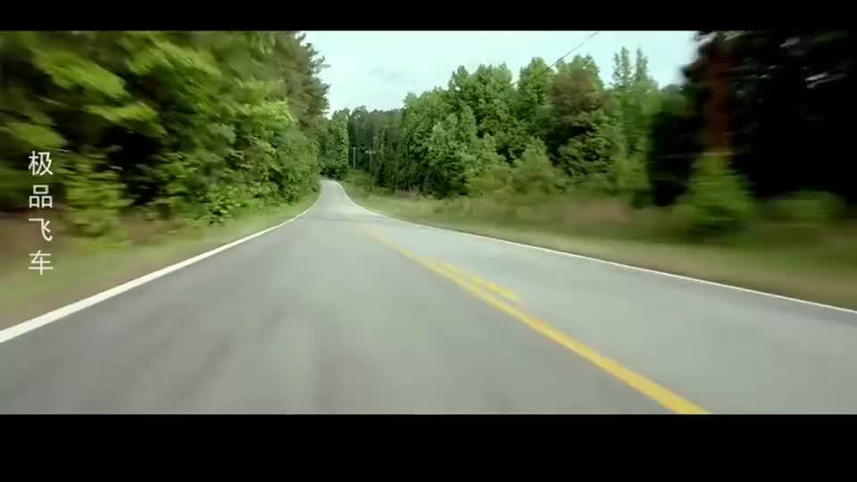超级跑车在路上狂飙,引发多起车祸,心疼车主