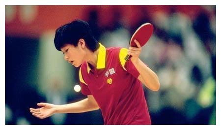 96奥运会陈静决胜局崩盘惨败邓亚萍,面对让球质疑陈静四个字回应