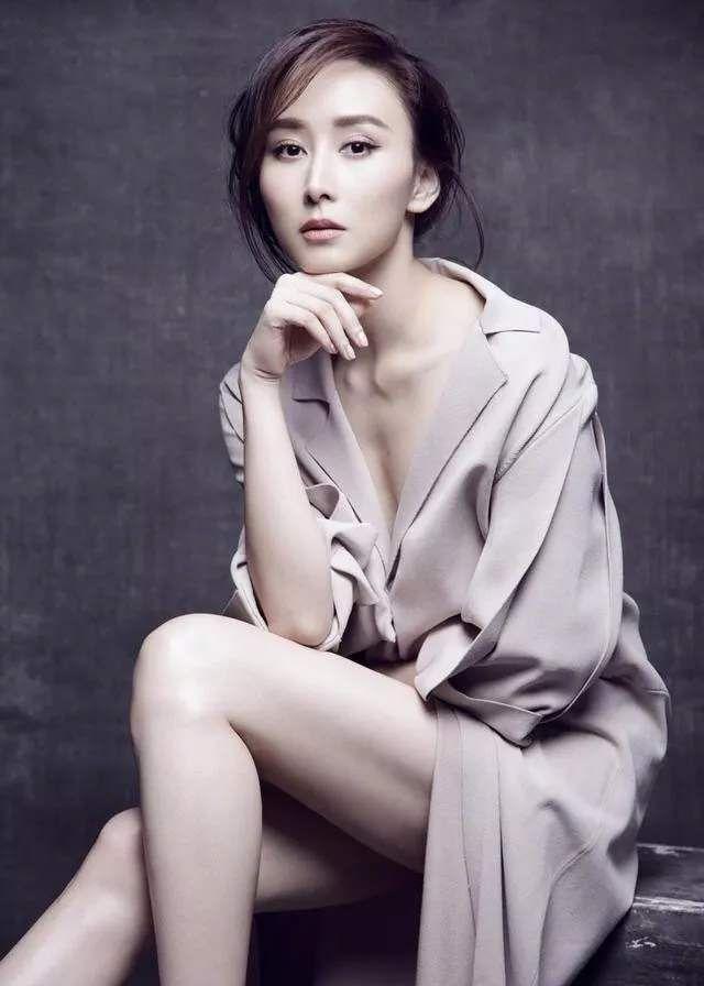明星胡静,娱乐圈影视演员,被誉为史上第一位中国籍艺人拿汀