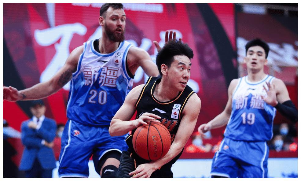 单场30分,当年力压郭艾伦的助攻王回归,上海男篮居然看不上!