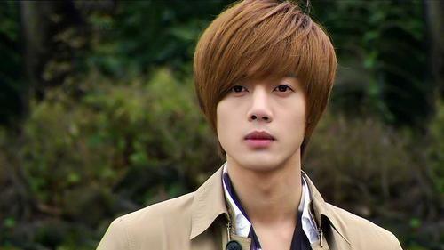 金贤重(Kim Hyun Joong),1986年6月6日出生于韩国
