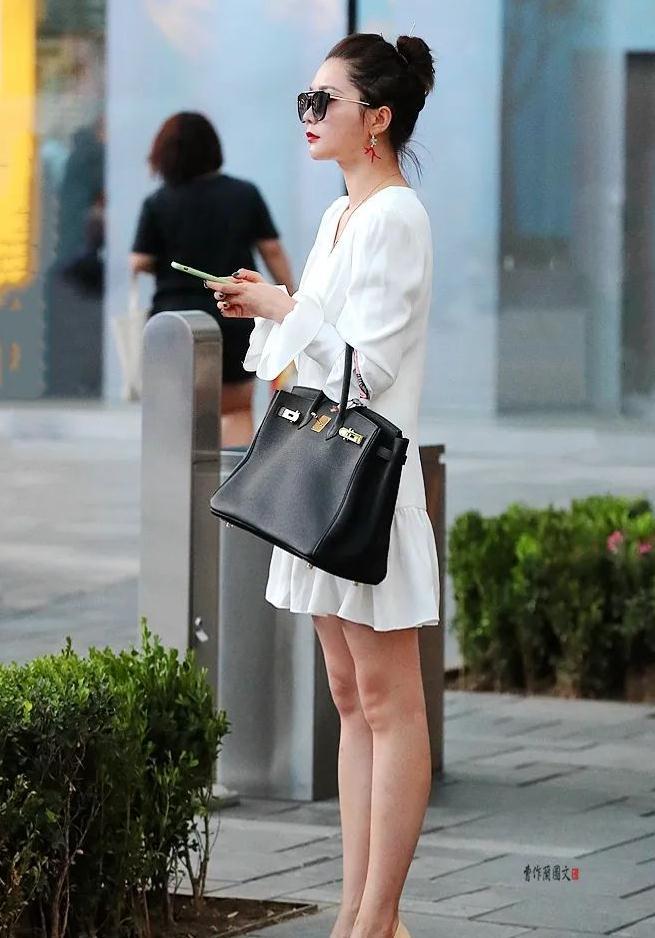 街拍:越穿越有高级感的高跟鞋美女