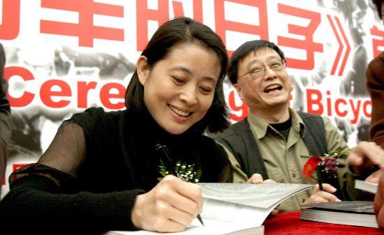 倪萍前夫,曾为倪萍花3个月盖四合院,离婚14年今66岁仍单身