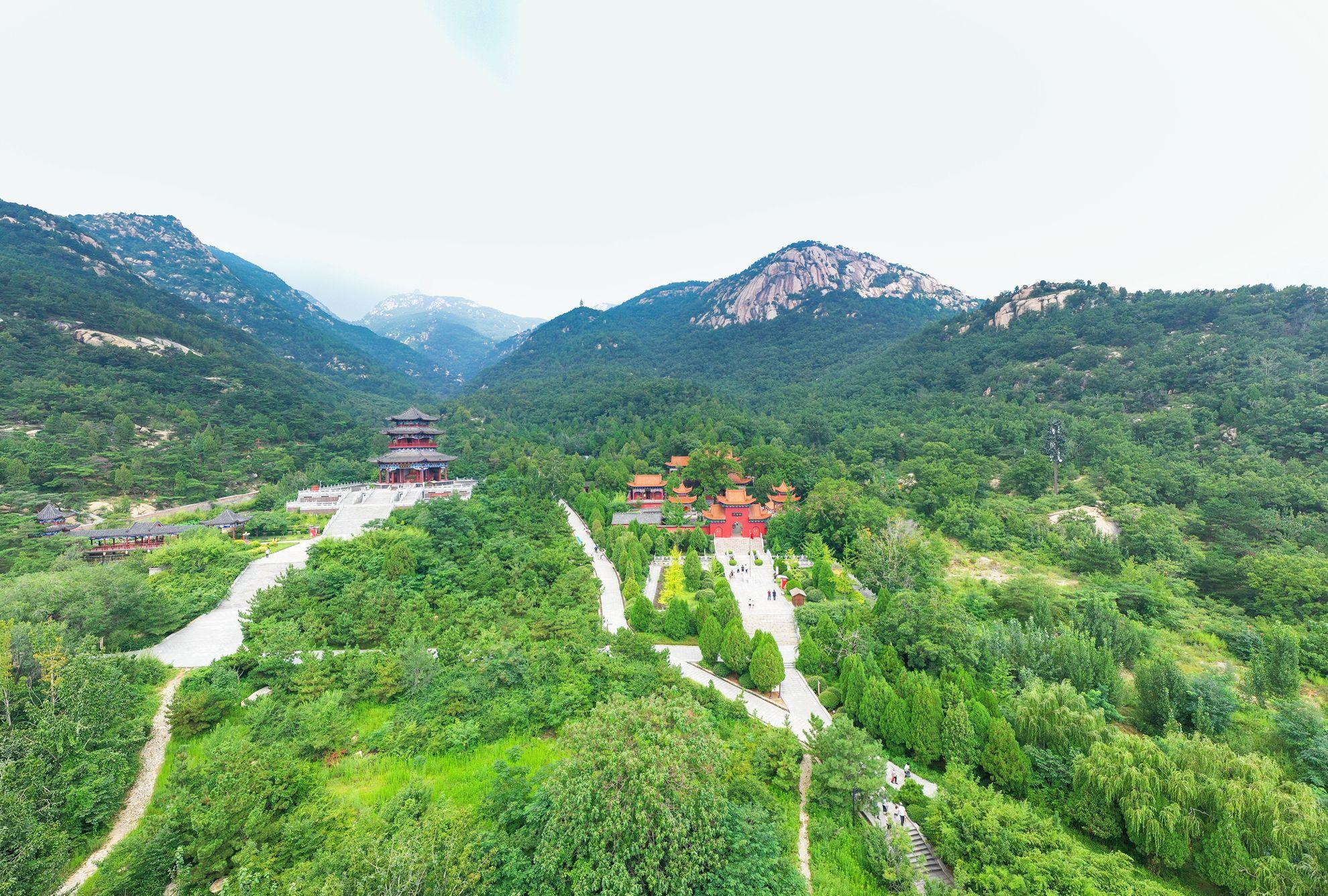 为了这座山,乾隆皇帝曾写下了著名的《新甫山》